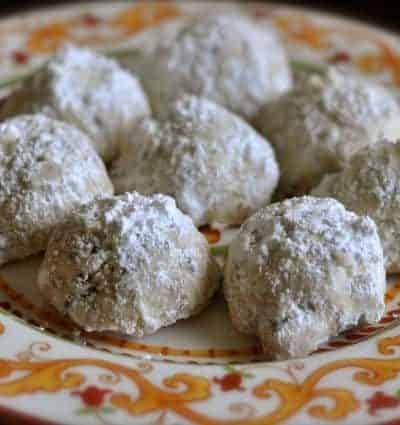 Pecan Sandie cookies