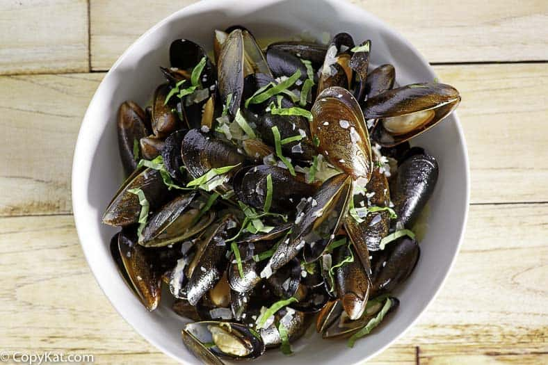 Enjoy making Carrabbas mussels at home with this easy copycat recipe.