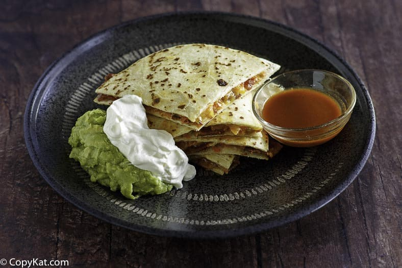 Recreate delicious Applebee's Quesadillas at home with this easy copycat recipe. #applebees #copycat #copycatrecipe #cheese #quesadilla