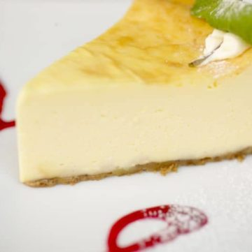 Courthouse Inn Delux Cheesecake