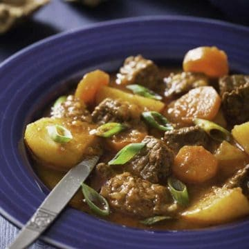Hearty Beef Stew Made In a Crockpot