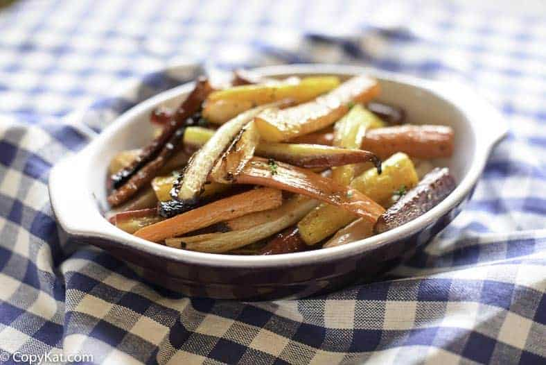 Roasted carrots with honey and thyme can be prepared easily in the oven.