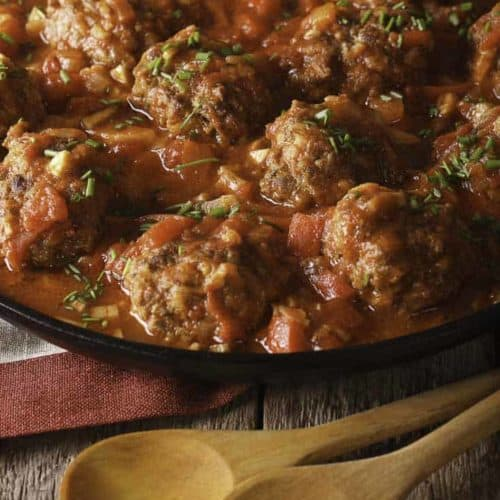 Albóndigas are Spanish style meatballs are perfect as an appetizer, or for dinner.