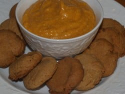 Pumpkin Pie Dip with ginger snaps