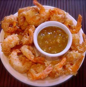 coconut shrimp and dipping sauce
