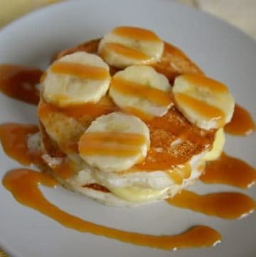 pancakes with banana cream and fresh bananas