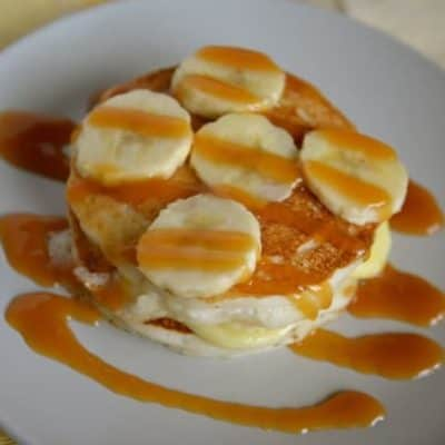pancakes with banana cream and fresh bananas