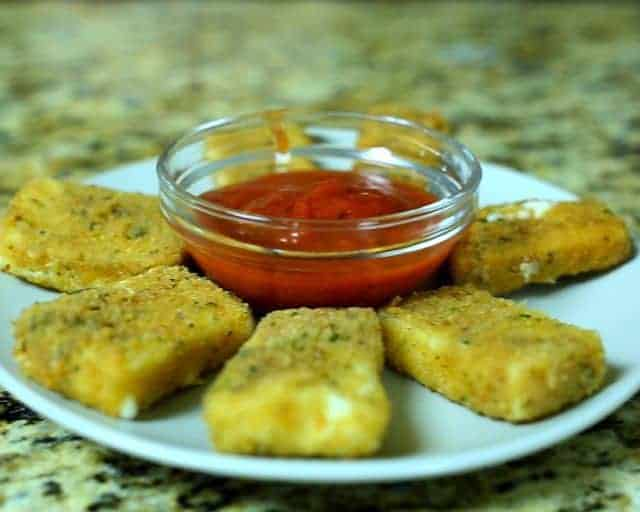 Fried Cheese Sticks and marinara sauce