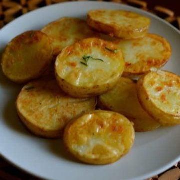 rosemary garlic crisped potatoes