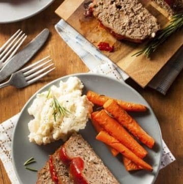 homemade meatloaf with ketchup sauce