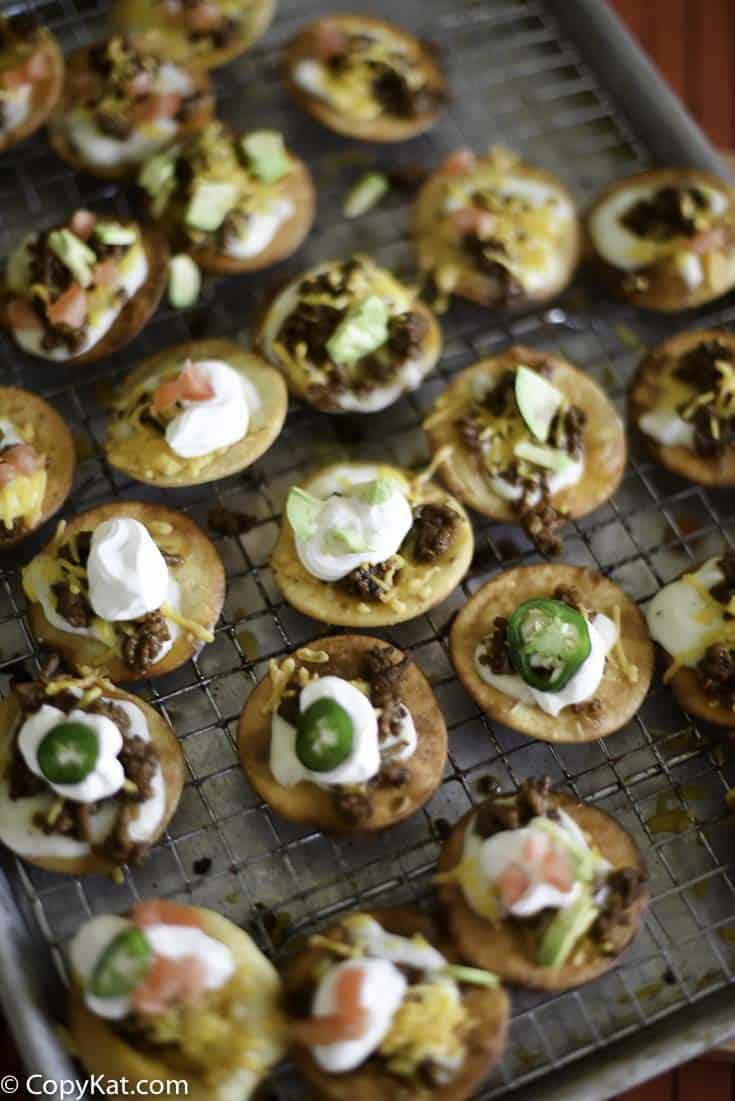 Mini Mexican pizzas make the perfect game day appetizer! Check out this tasty recipe.
