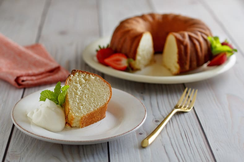 You can make this delicious Scandinavian Almond Cake from Scratch, iti's so easy to make this cake.