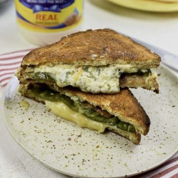 Enjoy this jalapeno popper grilled cheese sandwich you bake in the oven.