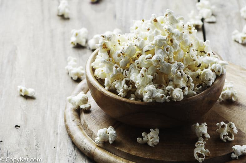 Make popcorn in your Instant Pot, it is so easy to do!