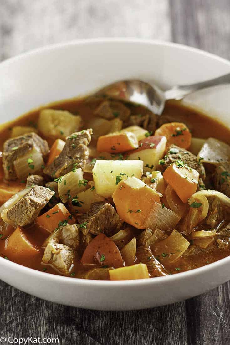 Make delicious Instant Pot Beef Stew.   This recipe is foolproof.  Your family will love how good this tastes.  #instantpot #pressurecooker #beefstew #stew