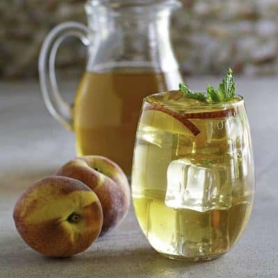 Recreate the Olive Garden Peach Iced Tea at home. You are going to love this homemade iced tea recipe for the copycat Peach Iced Tea just like the Olive Garden.