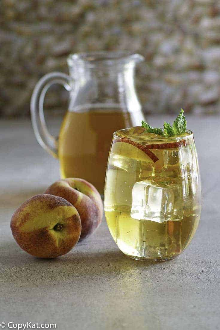 Olive Garden Peach Iced Tea with fresh peaches