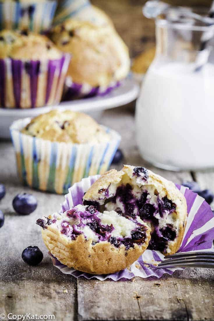 Make your own Otis Spunkmeyer Blueberry Muffins at home with this easy copycat recipe.