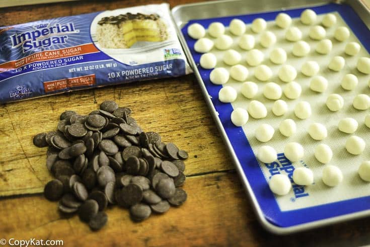 A common ingredients is all it takes to make copycat York Peppermint Patties at home.