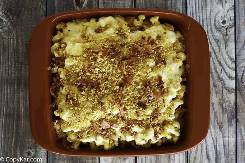 Make the Longhorn Steakhouse Macaroni and Cheese at home with this easy recipe.