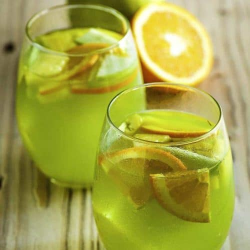 Enjoy the Olive Garden Green Apple Sangria when you make it at home, you need just three basic ingredients for this amazing sangria.