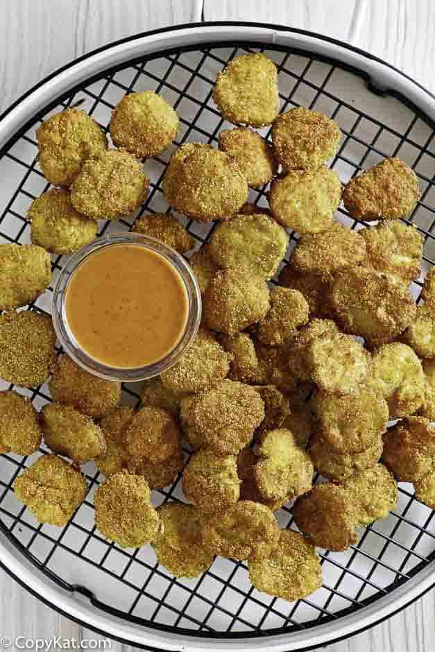Try Red Robin Pickle Nickels when you make them at some with this easy appetizer recipe.  #copycat #friedpickles #pickles #appetizer #redrobin