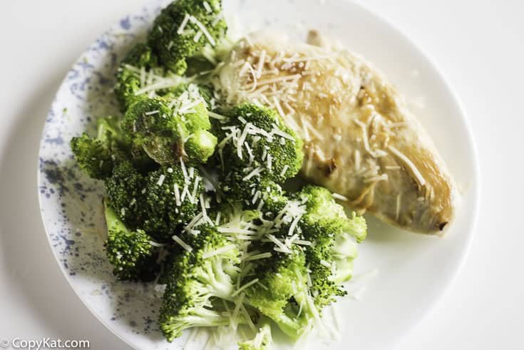 chicken and broccoli cooked with garlic