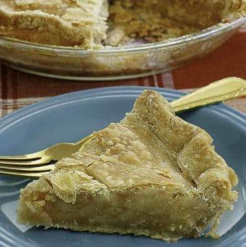 a slice of ritz mock apple pie
