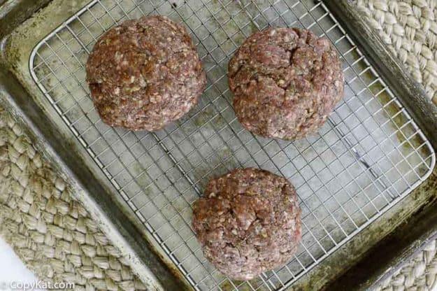 beef burger patties with seasoning