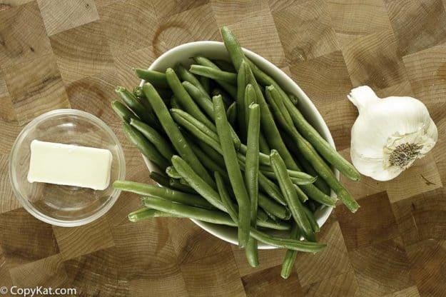 fresh green beans, garlic, butter