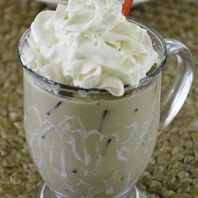 copycat starbucks iced white chocolate mocha
