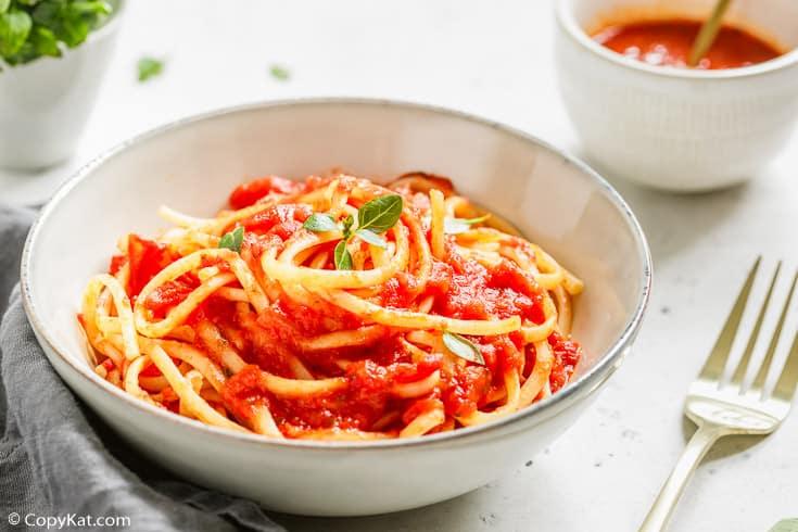 spaghetti pasta with homemade spaghetti sauce