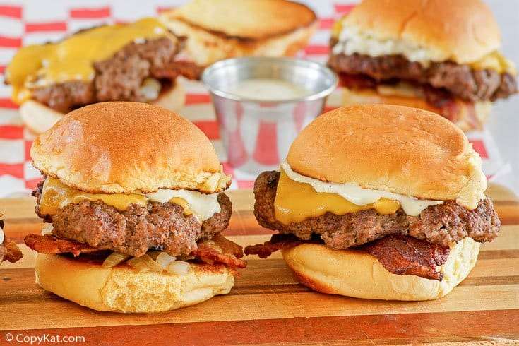 mini cheeseburgers (sliders) and jalapeno ranch sauce