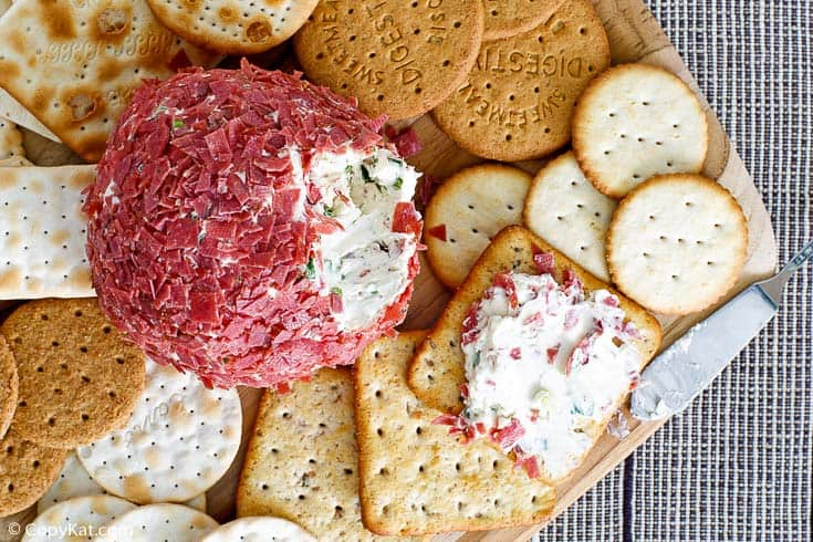 dried beef cheese ball and assorted crackers