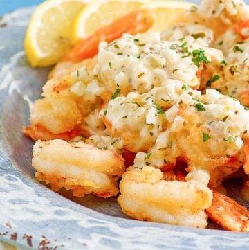 shrimp scampi fritta on a blue plate