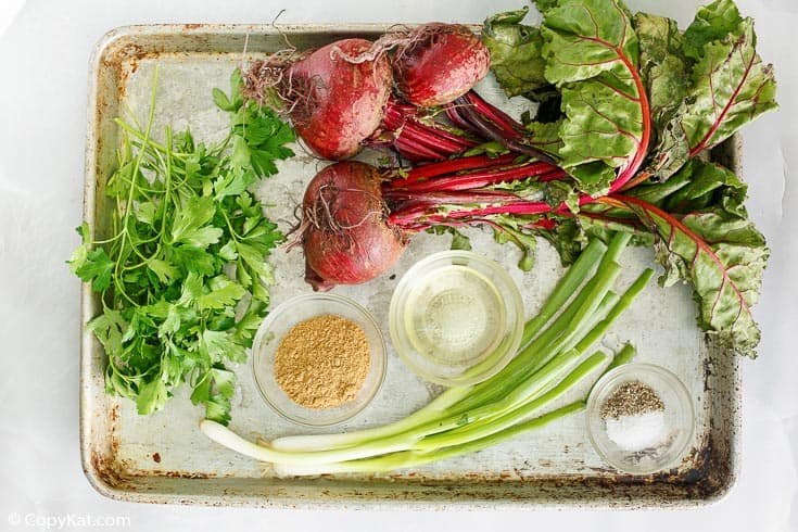 Ingredientes de ensalada de remolacha marinada