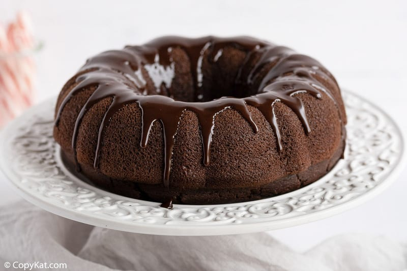 chocolate bundt cake with peppermint ganache glaze