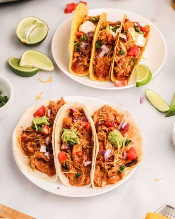 Crockpot chicken tacos and lime slices