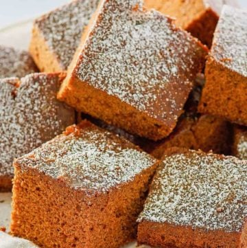 gingerbread cake slices on a cake stand