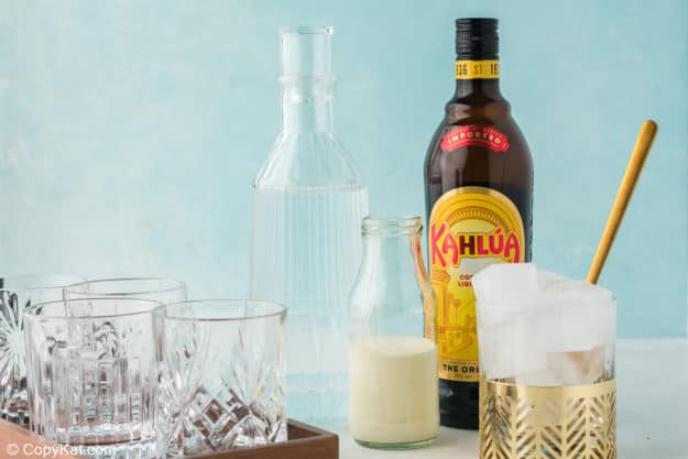 White Russian drink ingredients