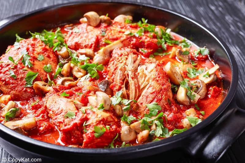 chicken cacciatore in a pan