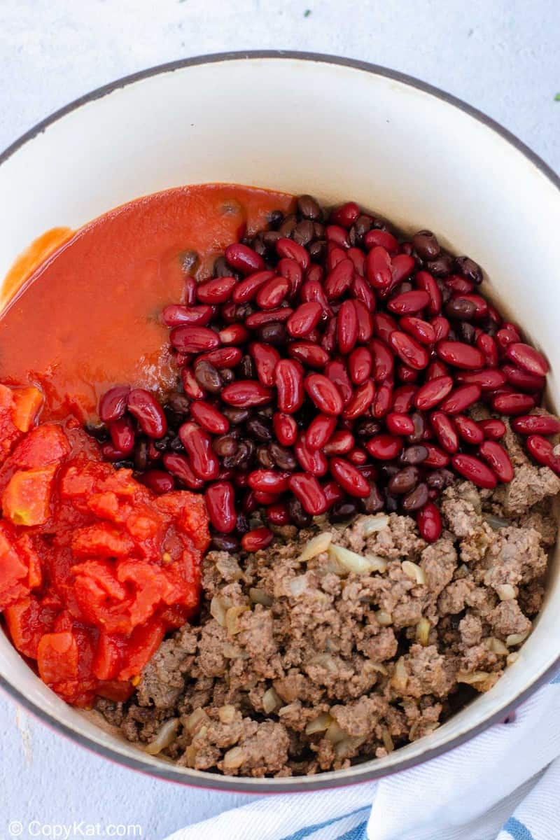 chili for beginners ingredients in a pot