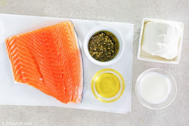 ingredients for pan fried salmon with pesto cream cheese sauce