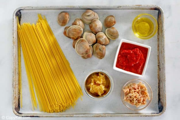 red clam sauce ingredients
