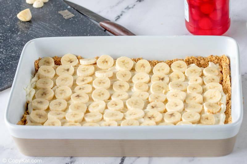 banana split cake banana slices layer