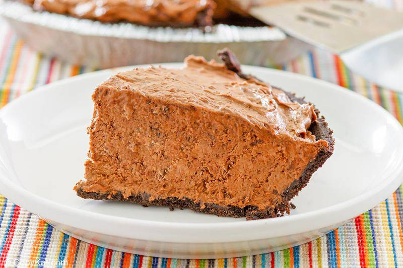 chocolate pudding pie slice on a plate