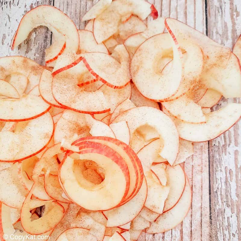spiralized apple slices with cinnamon sugar