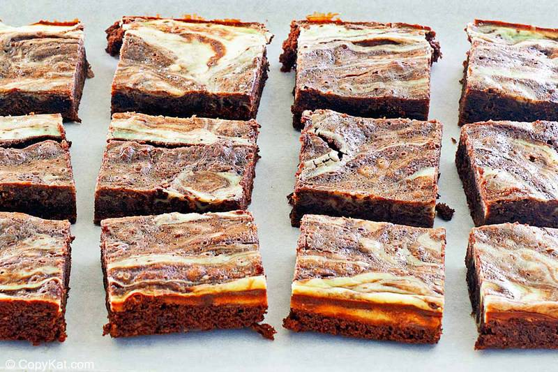 rows of cream cheese brownies