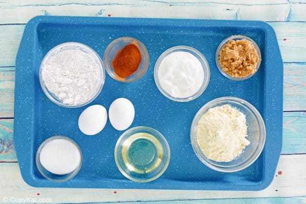 sock it to me cake ingredients on a tray