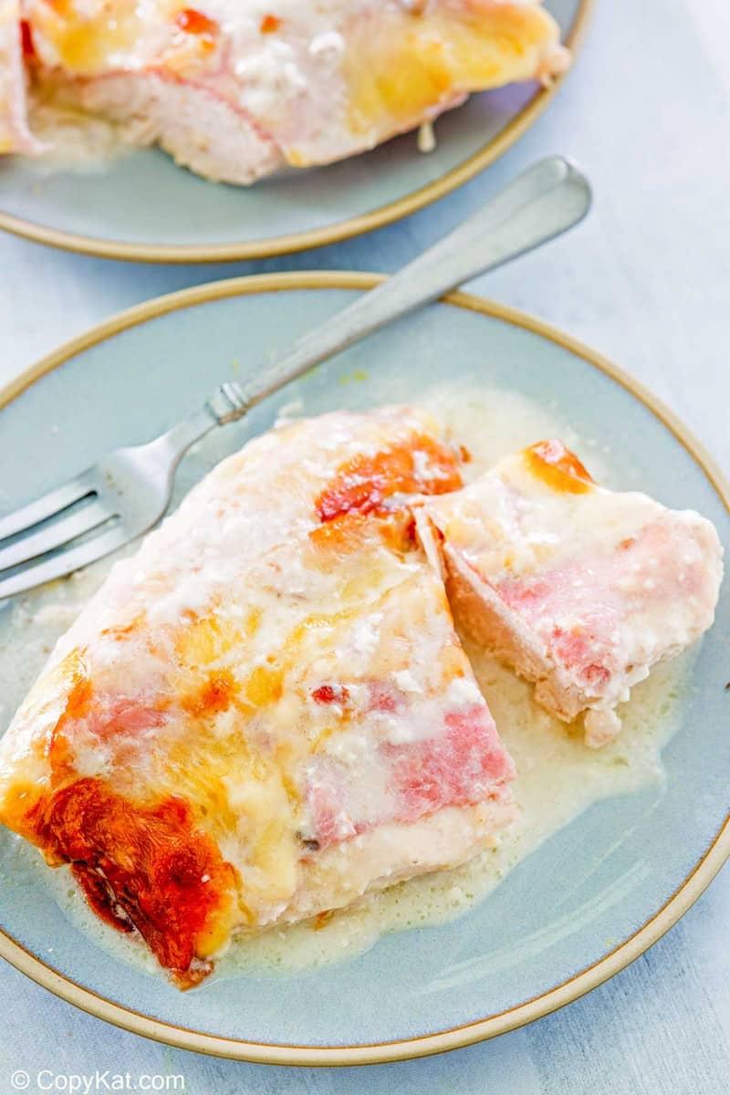 a serving of chicken cordon bleu casserole on a plate.